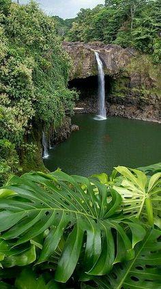 Que rico estar alli!! Me imagino un agua agradable, me imagino tantas cosas lindas al ver esta imagen!!!!