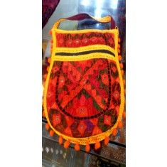 Sindhi Embroidery Hand Bags Us Online Clothing Stores, Kashmiri Shawls, Handmade Dresses, Tribal Art, Hand Bags, Natural Gemstones, Vintage Dresses, Traditional, Embroidery