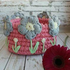 Bom dia !!! Pirando com esse cesto!!!!😍😍😍 👉 @bochonok_meda👈 #inspiracao #inspiration #cestatrapillo #crocheteiras #crochet #croche #croché…