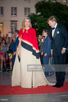 King Willem-Alexander of The Netherlands and Queen Maxima of The Netherlands offer a concert by Nynke Laverman and Cristina Branco to president Marcelo Rebelo de Sousa at Teatro Nacional de Dona Maria II on October 11, 2017 in Lisboa CDP, Portugal. Foundation Champalimaud develops programs for biomedical research and gives clinical care.  (Photo by Patrick van Katwijk/Getty Images)