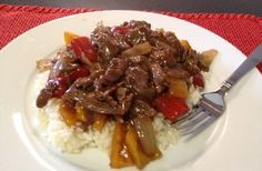Meals on a Budget: Pepper Steak with Rice (Tail Mix Recipes) Beef Recipes For Dinner, Meat Recipes, Cooking Recipes, Cheap Easy Meals, Cheap Dinners, Cooking On A Budget, Budget Meals, Slow Cooker Stuffed Peppers, Dinner On A Budget
