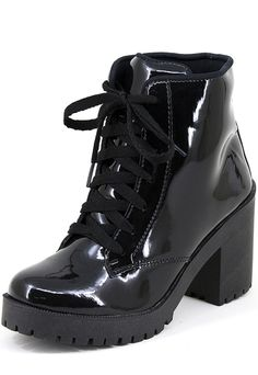 Emo Shoes, Girls Shoes, High Heel Boots, Heeled Boots, Expensive Shoes, Womens Slippers, Fashion Shoes, Girl Fashion, Me Too Shoes