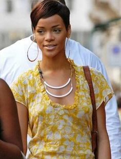 Beautiful Short Haircuts for Black Women-11