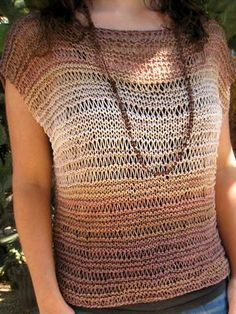 Al Sol, a mano: Top de punto con Belice de Katia. Not in English, but video instructions for the stitch. Poncho Au Crochet, Pull Crochet, Crochet Blouse, Knit Crochet, Knitting Patterns Free, Knit Patterns, Free Knitting, Summer Knitting, Crochet Summer