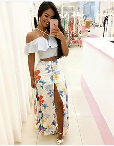 Idéias Casual Skirt Outfits, Crop Top Outfits, Stylish Outfits, Maude, Simple Gowns, Girl Fashion, Fashion Outfits, Tropical Dress, Pinterest Fashion