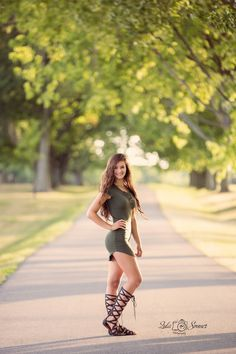 Love her hot outfit and that sexy footwear! Love her hot outfit and that sexy footwear! Love her hot outfit and that sexy footwear! Senior Girl Poses, Portrait Photography Poses, Senior Portrait Photography, Photography Poses Women, Girl Senior Pictures, Portrait Poses, Girl Photo Poses, Senior Girls, Picture Poses