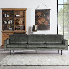 Bank Jolly van Budget Home Store is een populair bankstel door het trendy design. Dit model bank oogt slank en luchtig in je interieur. Dat zit 'm in design details. Zo heeft dit ontwerp slanke armleuningen en losse kussens op de zitting en tegen de rugleuning. #couch #sofa #bank #trendy Sofa, Couch, Interior Inspiration, Interior Decorating, Furniture, Home Decor, Velvet, Stool