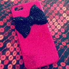 This is bowlicious. Ipod 5 Cases, Pretty Iphone Cases, Diy Phone Case, Cute Phone Cases, Cool Cases, Iphone Accessories, Decoden, Pink Black, Naked