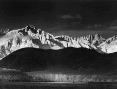 Fotografie  1921 1967 - Collezione privata Fam. Manfrotto, Winter Sunrise, The Sierra Nevada from Lone Pine, California, 1944, � Ansel Adams, Fonte: fotochepassione.com . libreriamo.it