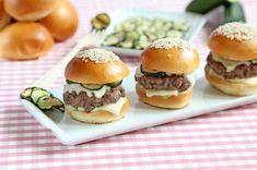 Mini hamburger con zucchine grigliate