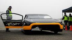 Australianos presentan un auto eléctrico con más autonomía que un Tesla
