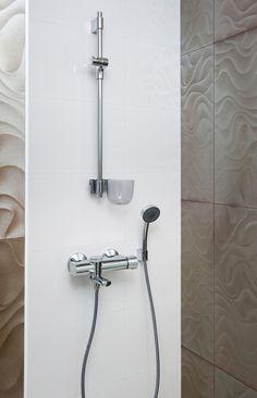 blue mineralwasser mit kohlens ure aus dem wasserhahn. Black Bedroom Furniture Sets. Home Design Ideas