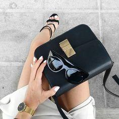 •✖️SOAN✖️• lock Bag styled by @maroobii_  Shop the Bag at: #jessicabuurman.com ♠️ #LifeIsARunwayWalkIt #aff