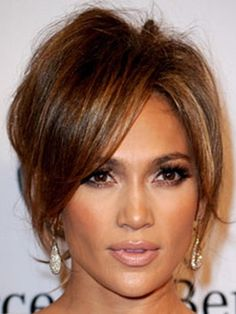 Jennifer Lopez bonita maquiagem/preety make up Spring Hairstyles, Hairstyles With Bangs, Prom Hairstyles, Corte Y Color, Braut Make-up, Great Hair, Celebrity Hairstyles, Hair Dos, Hair Hacks