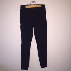 Abercrombie and Fitch High Waisted Jeans Hits right above belly button. Worn once. Great and durable Abercrombie & Fitch Jeans Skinny