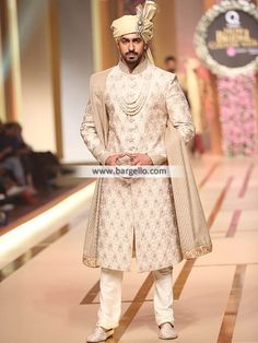 Good Looking Mens Sherwani San Francisco Washington DC Ahsan Menswear Collection 2017 Sherwani For Men Wedding, Wedding Dresses Men Indian, Wedding Outfits For Groom, Groom Wedding Dress, Indian Bridal Outfits, Wedding Suits, Pakistani Wedding Outfits, Punjabi Wedding, Indian Weddings