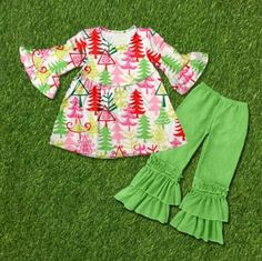 Christmas outfit! Divas on a dime coop, baby girl, toddler girl, little girls, outfits, fashionista, icings, boutique outfit, headbands, leggings, holiday, ruffles, oh Christmas tree