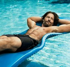 Joe Manganiello: Shirtless Pool Boy for 'Men's Health'!: Photo Joe Manganiello shows off his muscles while going shirtless in the pool for his Men's Health cover feature for the August 2013 issue, on newsstands June … Joe Manganiello Shirtless, Joe Manganiello Workout, Men's Health Magazine, The Fashionisto, Hottest Male Celebrities, Celebs, Hottest Guys, Raining Men, Santos