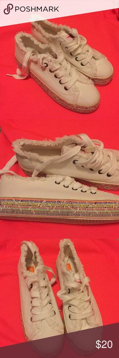Never worn rocket dog shoes. Fun little shoe to put a little spring in your step. Rocket Dog Shoes Espadrilles