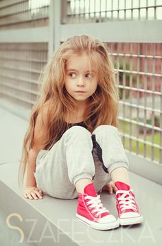 Find out a fresh list of cool baby names for girls. Look no further if you are down for a cool girl name as we have gathered the best ideas! Cute Little Girls, My Little Girl, Cute Kids, Cool Baby Names, Stylish Kids, Kid Styles, Fashion Kids, Fashion Women, Fashion Beauty