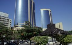 Twin-towers-building-united-arab-emirates..