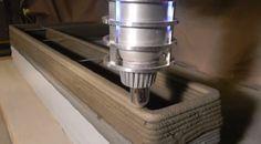 Man Builds Concrete Printer in His Garage 3d Printing Diy, 3d Printing Business, 3d Printing Service, 3d Printer Designs, 3d Printer Projects, Build A 3d Printer, Arduino Projects, 3d Printing Technology, Cool Technology