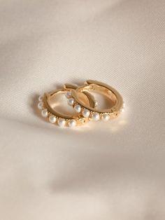 Dainty Jewelry, Cute Jewelry, Boho Jewelry, Silver Jewelry, Jewelry Accessories, Black Hills Gold Jewelry, Stylish Jewelry, Pearl Jewelry, Jewelry Shop