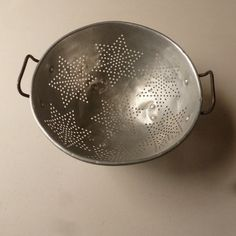Hey, I found this really awesome Etsy listing at https://www.etsy.com/listing/129363024/1950s-star-colander-classic-aluminum