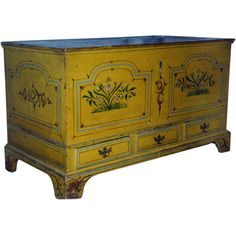 Pennsylvania Painted Chest. Early 19th Century. ****