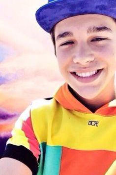 OMGG @Austin Mahone  YOURE SMILE MEANS THE WORLD  TO ME !!!!!!!