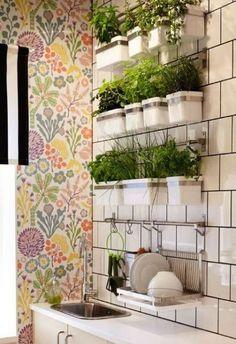 65 ideas for bathroom wall decor diy hanging plants Diy Herb Garden, Garden Table, Diy Garden Decor, Garden Ideas, Herbs Garden, Diy Decoration, Balcony Garden, Decorations, Diy Hanging