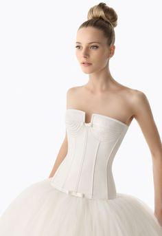 Fabulous kirstie kelly wedding dress CHECK OUT MORE IDEAS AT WEDDINGPINS NET bridesmaids Wedding Dresses Pinterest Wedding dress and Weddings