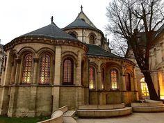 """Nastasia Michailou 🌗 on Instagram: """"Quand tu fais le tour du musée alors que l'entrée était devant toi. Mais c'est si beau 🥰🤩"""" Tour, France, Mansions, House Styles, Instagram, Pictures, Home Decor, Beauty, Photos"""