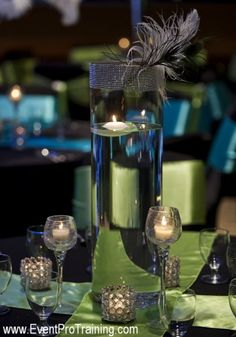 web-peacock and ostrich feather wedding-231
