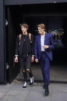 Beautiful Boys, Pretty Boys, Beautiful People, Louis Hofmann, Models Backstage, Human Poses Reference, Look Man, Stylish Boys, White Boys