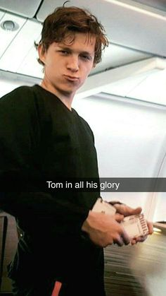 Siper Man, Tom Holland Imagines, Marvel Dc, Tom Holand, Tom Holland Peter Parker, Tommy Boy, Men's Toms, Held, To My Future Husband