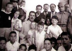 El presidente de México Lázaro Cárdenas con los niños de Morelia (Wikimedia commons)