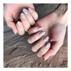 """МАНИКЮР СПБ on Instagram: """"Маникюр для нашей Дюймовочки  Василины 🙆🏼♀️✨ @_whalesea_  Всё нарисовано ручками✋🏻🤓 #идеиманикюра #ногтидизайн #маникюрспб #nailsoftheday…"""" Simple Nail Designs, Simple Nails, Plain Nails, Simple Nail Design, Easy Nails"""