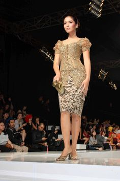 modified kebaya