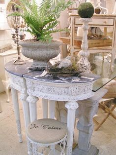 """Blossoms Vintage Chic: """"THE ROOM"""" at COUNTRY ROADS...my space # 74"""