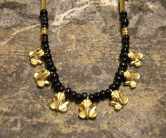 COLUMBIAN NECKLACE