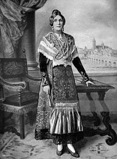 Victoria Eugenie of Battenberg Queen of Spain In regional dress of Salamanca, Princess Victoria, Queen Victoria, Spanish Costume, Flamenco Costume, Spanish Royalty, Royal Queen, Europe Fashion, Princess Costumes, Crown Royal