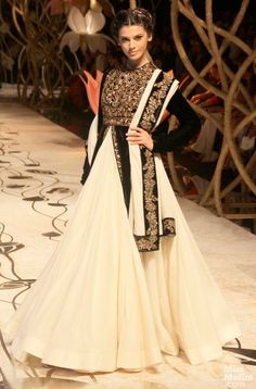 Rohit Bal black and white moghul-like anarkali with a skirt Indian Bridal Fashion Week, 2013 Indian Bridal Fashion, Bridal Fashion Week, Indian Attire, Indian Ethnic Wear, Indian Style, Traditional Fashion, Traditional Dresses, India Fashion, Asian Fashion