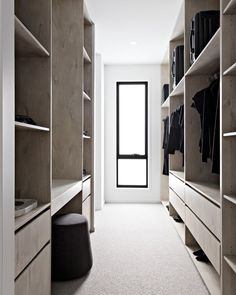 "Design, Styling + Reno Tips on Instagram: ""• Z + S Tip • Designing the perfect Wardrobe 👌🏻 ⠀⠀⠀⠀⠀⠀⠀⠀⠀ Want to create a wardrobe that ticks all the boxes? 🤔 Here are our top tips! 👯‍♀️…"" Wardrobe Design Bedroom, Master Bedroom Closet, Walk In Wardrobe, Bedroom Wardrobe, Home Bedroom, Perfect Wardrobe, Walk In Robe Designs, Walk In Closet Design, Closet Designs"