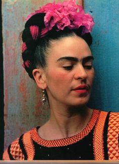 Frida Kahlo (* 6. Juli 1907 in Coyoacán, Mexiko-Stadt, als Magdalena Carmen Frieda Kahlo y Calderón; † 13. Juli 1954 in Mexiko-Stadt)