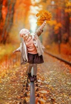 Multiple Children Photography Poses 44 Ideas For 2019 Cute Kids Photography, Autumn Photography, Family Photography, Portrait Photography, Children Photography Poses, Fall Family Pictures, Fall Photos, Fotografie Portraits, Fall Portraits