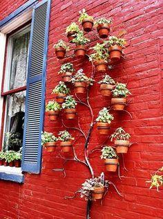 what an awesome vertical garden idea!