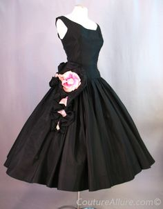 Vintage 50s Dress Black Full Skirt Roses Small bust 35 at Couture Allure Vintage Clothing
