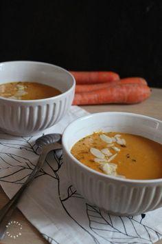 """Il est peut-être trop tôt pour l'annoncer, mais je crois que la saison des soupes et veloutés arrive à Graaannnd Pas! Et c'est Nicolas de """" Ma cuisine à moi """" qui nous y emmène pour ce nouveau tour de la Bataille Food, le nouveau parrain qui a été choisi..."""