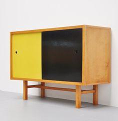 Jaap Penraat; Beech and linoleum Cabinet  for N.V. Pentagonia, 1960.